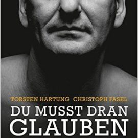 """Torsten Hartung kommt am 2.4. nach Oschersleben: """"Gott und der Mörder"""" – ein von Gott ver-rückter Mensch"""